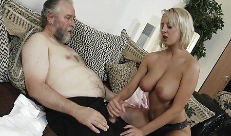 Rochele de 49 hentai porno subtitulado años de Brasil en Skype - Parte 1
