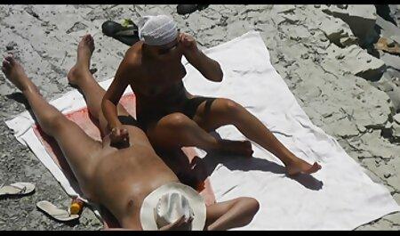 Sirena hentai sub español sin censura Spilona baja las escaleras para masturbarse
