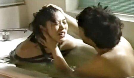 7-14-19 Junto a la piscina: Parte video hentai subtitulado 1