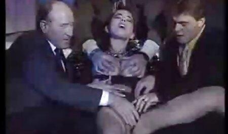 ¡Cerdito grueso porno subtitulado en español obtiene puño!