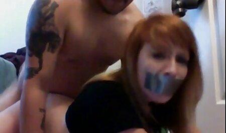 Nena rubia follando su coño incesto subtitulado en español con un consolador