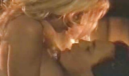 Sasha Rose porni sub español se masturba furiosamente rápido