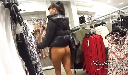 La porno hentai subtitulado en español adolescente Gabriella se usa un vibrador en el gimnasio